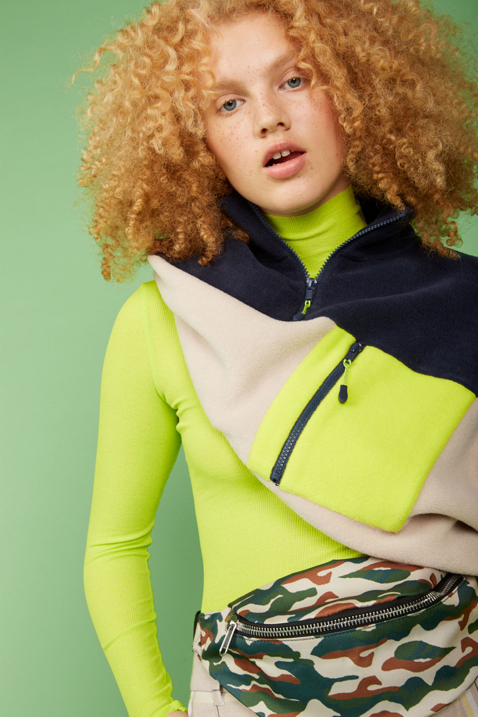 Detailed image of Monki turtleneck top in green